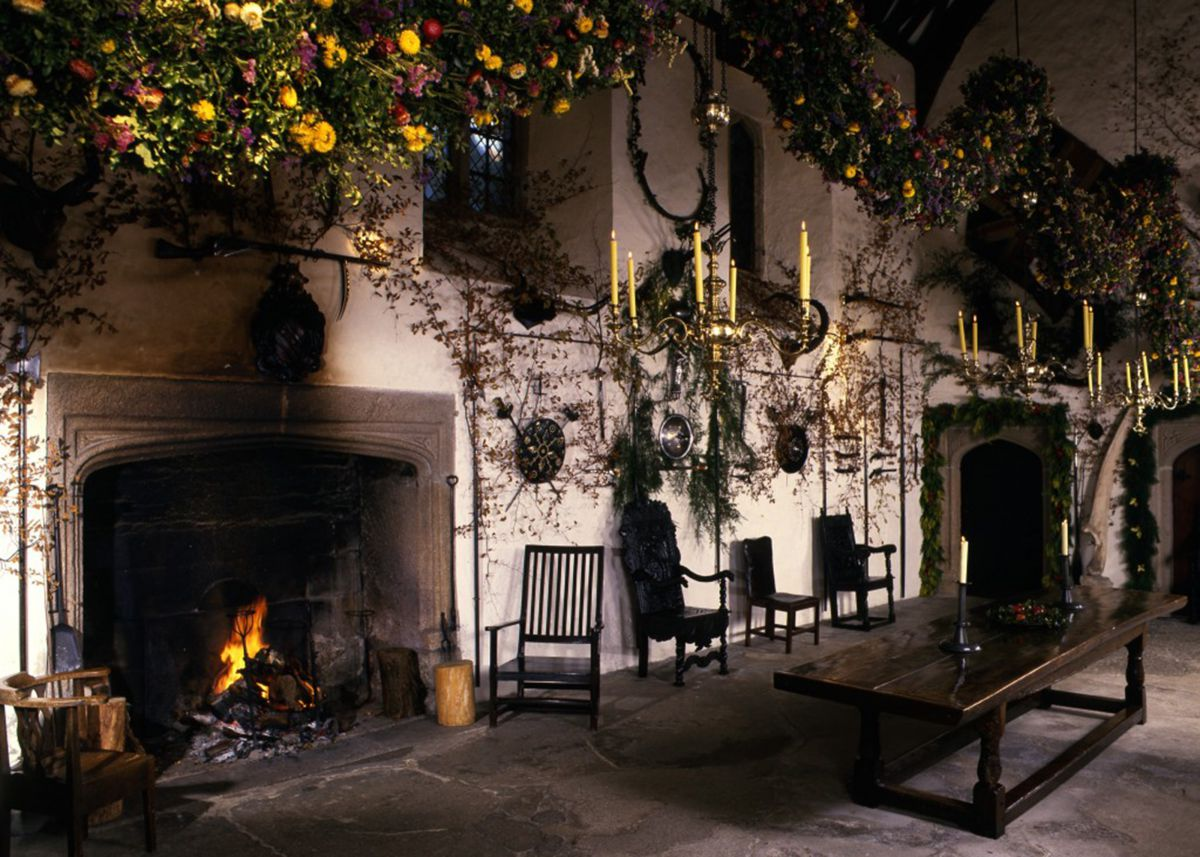 Christmas garland in the Great Hall at Cotehele House