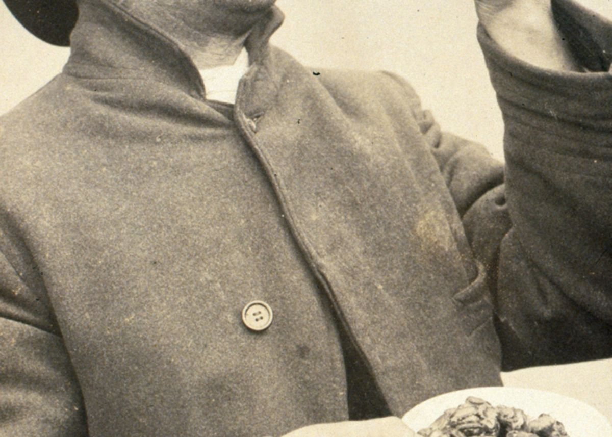 Eating Limpets in Redruth c1906