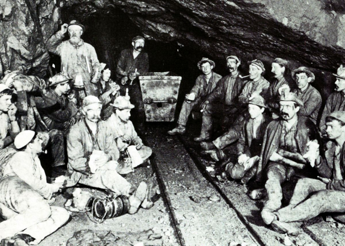 Miners at East Pool Mine in 1893