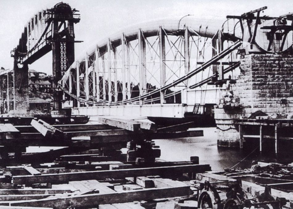 Royal Albert Bridge construction work in 1957