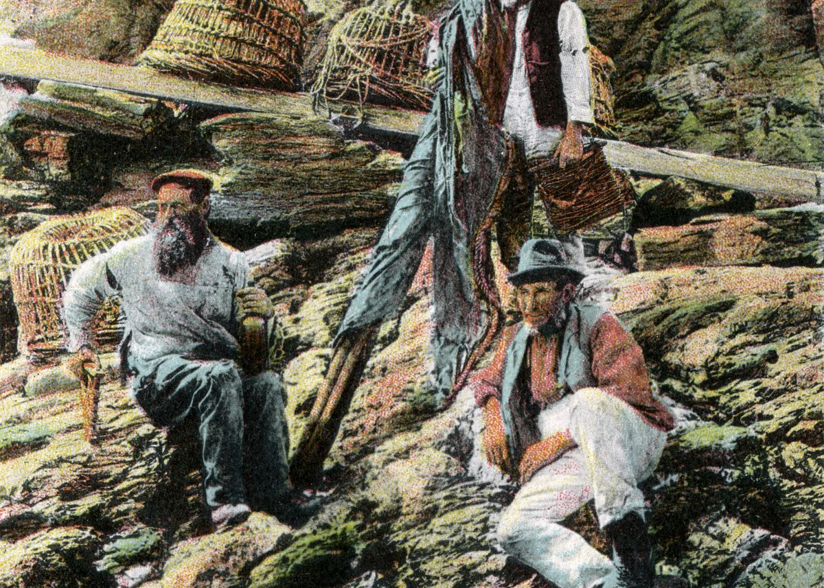 Crabbers at Prussia Cove near Marazion