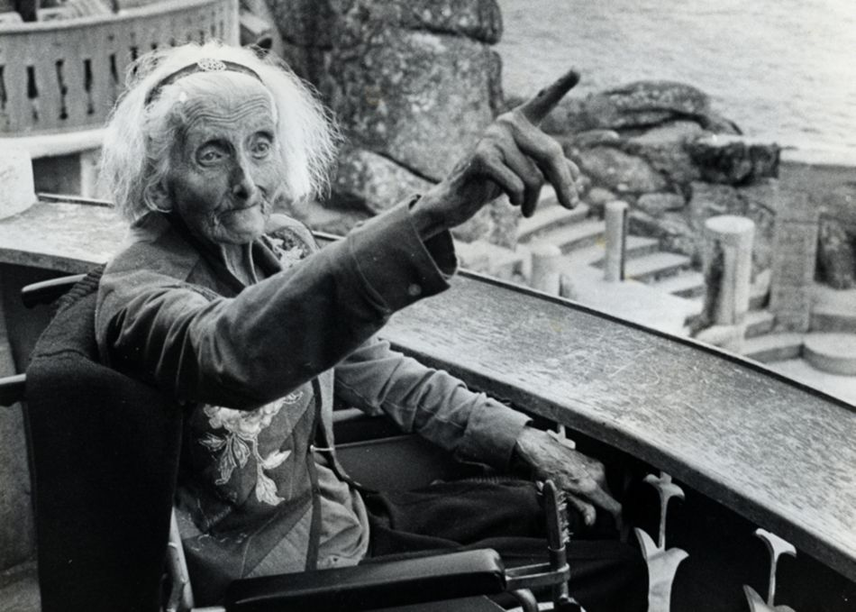 Rowena Cade at the Minack Theatre in 1982